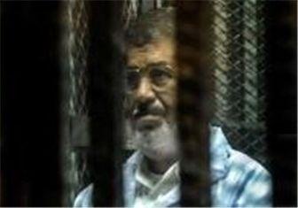 دادگاه به مرسی اجازه دفاع نداد