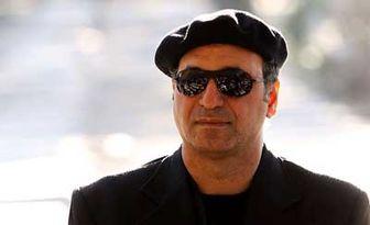 بازیگر مشهور بر سر مزار سهراب سپهری/ عکس