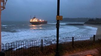 کشتی روس در سواحل انگلیس به گِل نشست