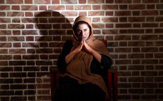 خانم بازیگر با لباس سربازی+ عکس
