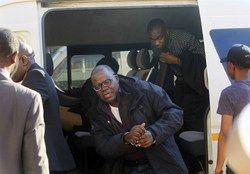 دستگیری رهبر مخالفان زیمبابوه