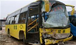 ۷ مجروح در حادثه برخورد کامیون و اتوبوس