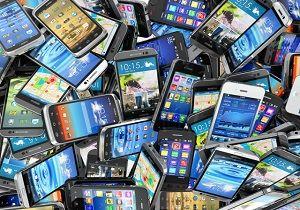 کاهش قیمت گوشی تلفن همراه در بازار