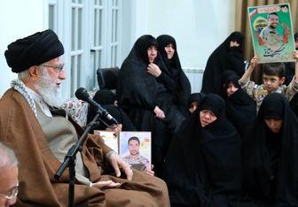 امام خامنه ای در دیدار با خانوادههای شهدای مدافع حرم: اگر مدافعان حرم نبودند؛راهپیمایی اربعین نبود