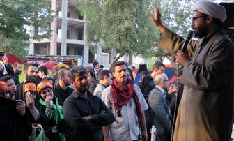 46  راوی، حادثه کربلا را برای زوار اربعین به تصویر میکشند